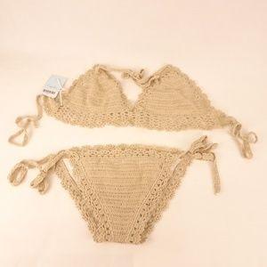 NWT - Cupshe Bikini Set Beige Knit design - Large